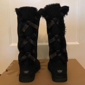 NIB Women's UGG Bailey Bow Tall in Black Size 9